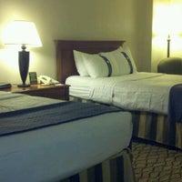 Снимок сделан в The Watson Hotel пользователем Brian B. 5/21/2012