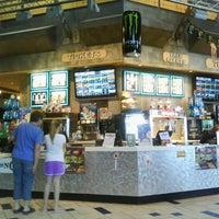 Foto tomada en NCG Eastwood Cinemas por Annescia D. el 3/17/2012