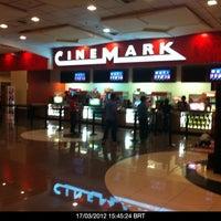 Foto tomada en Cinemark por San C. el 3/17/2012