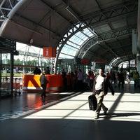 Foto diambil di Warsaw-Modlin Airport oleh Viktoriya K. pada 8/18/2012