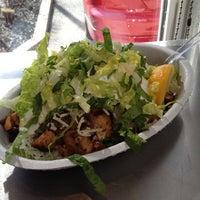 3/1/2012 tarihinde Ozzy O.ziyaretçi tarafından Chipotle Mexican Grill'de çekilen fotoğraf