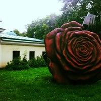 Снимок сделан в Государственный музей городской скульптуры пользователем Julia F. 7/25/2012