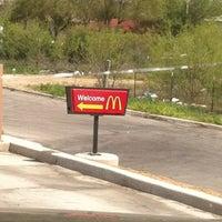 Photo prise au McDonald's par Lizandra C. le3/7/2012