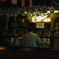 Photo prise au Treff Pub Alemán par Jenny B. le6/22/2012