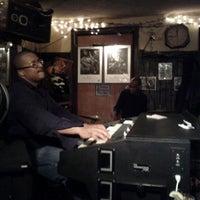 Das Foto wurde bei 55 Bar von Noah B. am 2/26/2012 aufgenommen