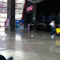 รูปภาพถ่ายที่ Cinemaximum โดย Muradin Birol เมื่อ 7/8/2012