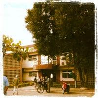Photo taken at Centro de Línguas para a Comunidade (CLC) by Fabio Lucio T. on 8/6/2012
