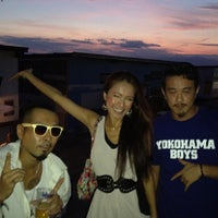 Photo taken at 海の家 WILD BOAR by Kayzabro D. on 8/29/2012