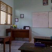 Photo taken at SMP Negeri 39 Surabaya by Dibyo W. on 7/17/2012