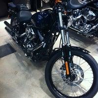 Foto tirada no(a) Autostar (Harley Davidson) por ROSSI R. em 3/27/2012