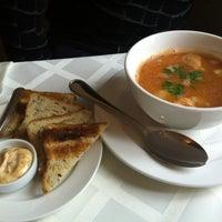 รูปภาพถ่ายที่ City Club Restaurant โดย Igor M. เมื่อ 4/9/2012