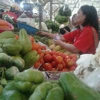 Photo taken at Fresh Market by AwaLe N. on 5/26/2012