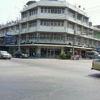 Photo taken at Santivet Pharmacy by นที ส. on 4/26/2012
