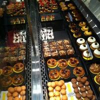 Foto tirada no(a) Boulangerie Guerin por Aldo G. em 6/3/2012