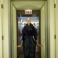 8/26/2012 tarihinde Taj M.ziyaretçi tarafından Marc Jacobs'de çekilen fotoğraf