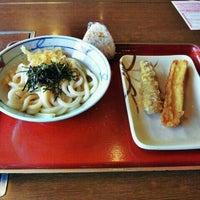 Photo taken at 金比羅製麺 京都大山崎店 by Hiroki E. on 5/13/2012