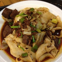 Photo taken at Xi'an Famous Foods by Jeanie C. on 8/11/2012