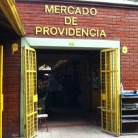 Foto tomada en Mercado Providencia por Claudia Z. el 4/25/2012