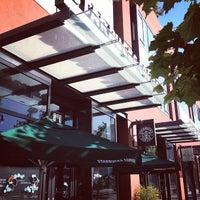 Photo taken at Starbucks by Hidekazu I. on 7/7/2012