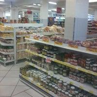 Foto tirada no(a) Supermercado Meschke por Arnoldo S. em 5/12/2012