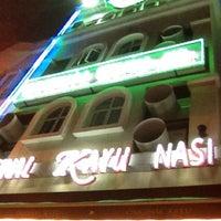 Foto tomada en Original Kayu Nasi Kandar Restaurant por Kamarul Hasrain H. el 4/10/2012