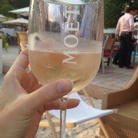 5/30/2012 tarihinde Vanessa I.ziyaretçi tarafından La Terrasse de l'Hippodrome'de çekilen fotoğraf