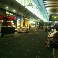 Photo taken at TOHO Cinemas by Fukuda M. on 9/12/2012