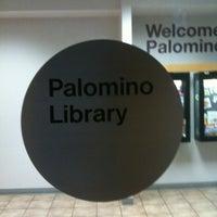 2/14/2012 tarihinde Phil A.ziyaretçi tarafından Scottsdale Public Library - Palomino'de çekilen fotoğraf