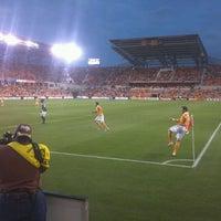 รูปภาพถ่ายที่ BBVA Compass Stadium โดย Eva K. เมื่อ 5/16/2012
