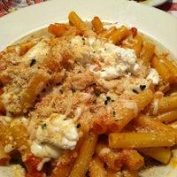 Foto scattata a Buca di Beppo Italian Restaurant da Jane D. il 5/19/2012