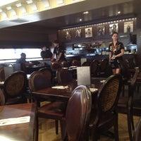 Photo taken at Hard Rock Cafe Venice by Jonathan J. on 5/9/2012