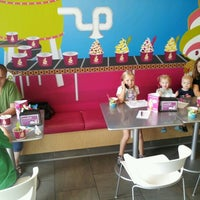 Photo taken at Menchie's Frozen Yogurt by Jacob B. on 8/25/2012
