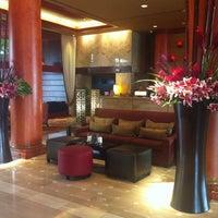Photo taken at Marina Del Rey Marriott by Amanda R. on 9/5/2012