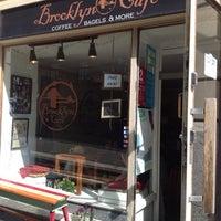 7/19/2012 tarihinde Teroziyaretçi tarafından Brooklyn Cafe'de çekilen fotoğraf