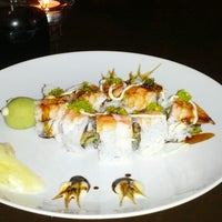 Photo taken at Makisu Sushi Lounge & Grill by Diz B. on 8/19/2012