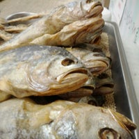 Photo taken at Keeaumoku Super Market by @RickNakama on 4/15/2012