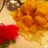 Photo taken at Shanghai Tokyo Restaurant & Sushi Bar by あらし on 8/19/2012