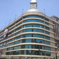 Foto tirada no(a) Shopping Estação por Alex F. em 4/21/2012