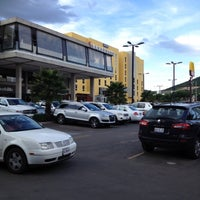 Photo taken at Starbucks by José Gerardo L. on 9/2/2012