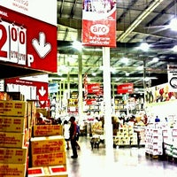 Photo taken at Makro by Suthirawat R. on 9/9/2012