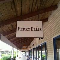 Photo taken at Perry Ellis by Luiz L. on 6/26/2012