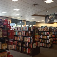 Photo taken at Barnes & Noble by Paula R. on 9/1/2012