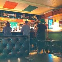 Снимок сделан в Harat's Pub пользователем Ari100Crat 3/30/2012