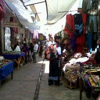 Foto tirada no(a) Pisac Market por Daniela P. em 8/5/2012
