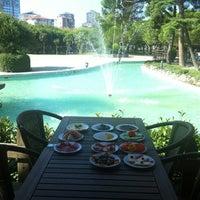 8/26/2012 tarihinde Erdoğan A.ziyaretçi tarafından Fua Cafe Restaurant'de çekilen fotoğraf