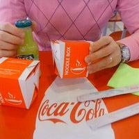 Снимок сделан в Noodle Box пользователем Aliona A. 9/10/2012
