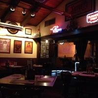Foto tirada no(a) Crown & Anchor Pub por Alex M. em 7/15/2012