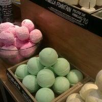 Photo taken at LUSH Fresh Handmade Cosmetics by Greisi A. on 6/16/2012