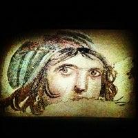 3/10/2012 tarihinde Ayhanziyaretçi tarafından Zeugma Mozaik Müzesi'de çekilen fotoğraf