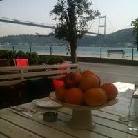 6/5/2012 tarihinde Ulas A.ziyaretçi tarafından Cafe Nar'de çekilen fotoğraf